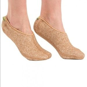 New Camel's Hair Warming footlets